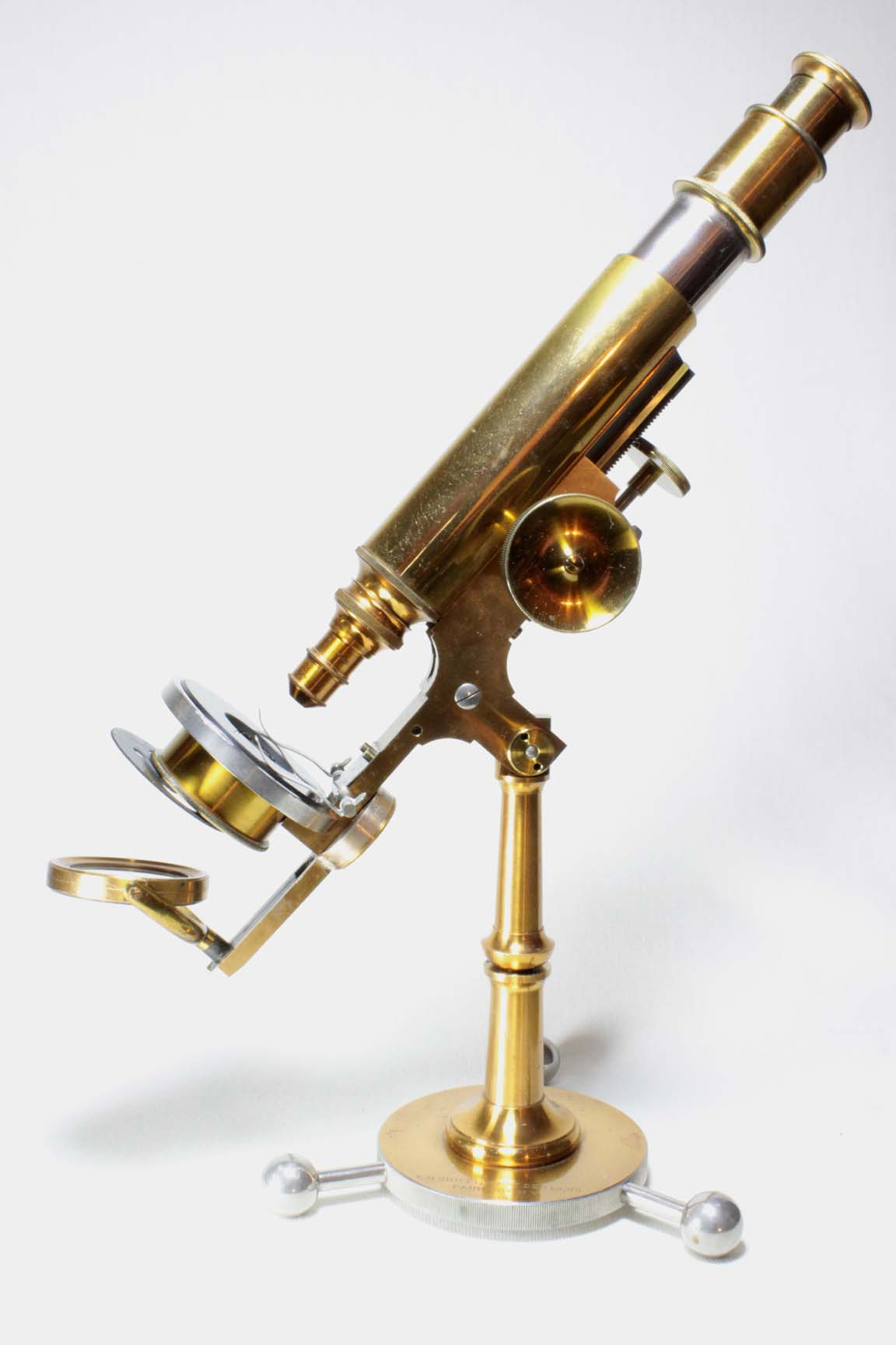Improved Griffith Club microscope